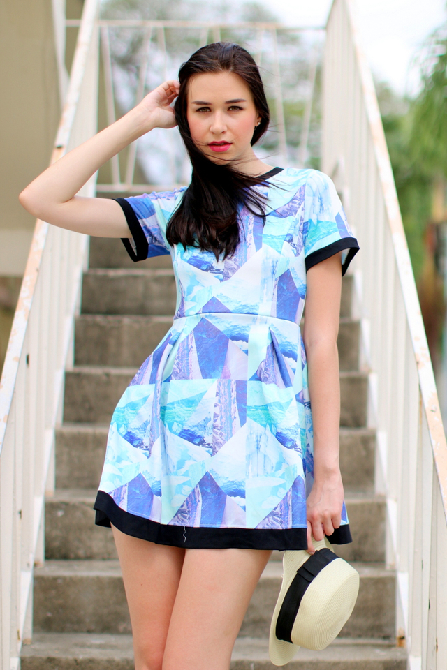 TSW Heather Contrast Flare Dress in Blue Mountains (M)