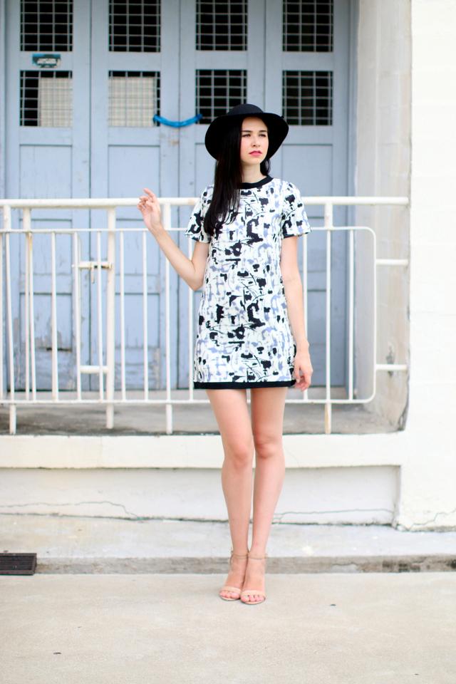 TSW Sheila Contrast Shift Dress in Inksplat