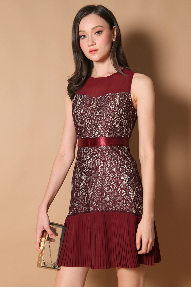 Vanessa Pleated Lace Dress in Wine Red (XS)