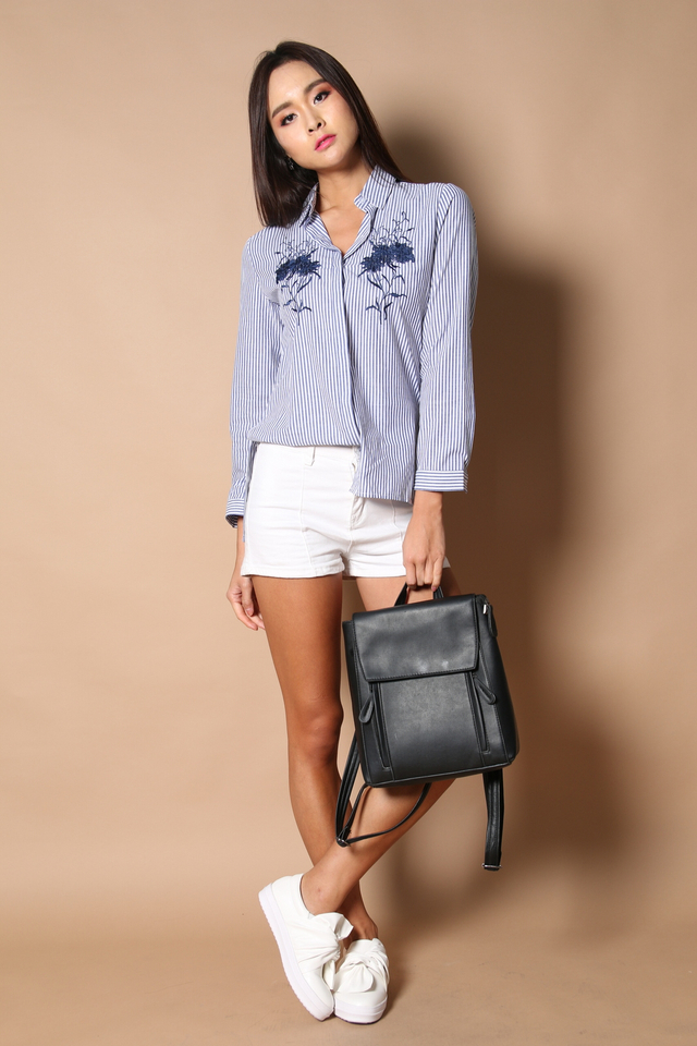 Gwen Embroidery Striped Shirt in Navy (L)
