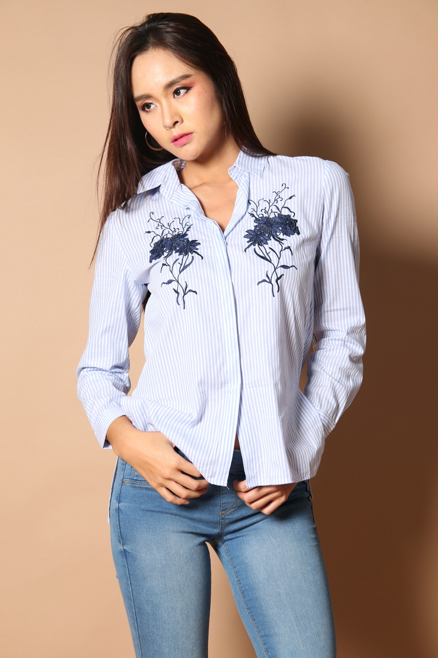 Gwen Embroidery Striped Shirt in Light Blue