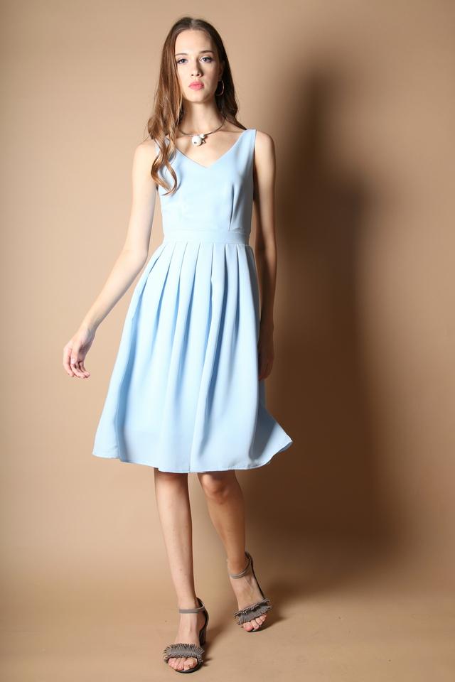 Kendra Pleated Midi Dress in Powder Blue (L)