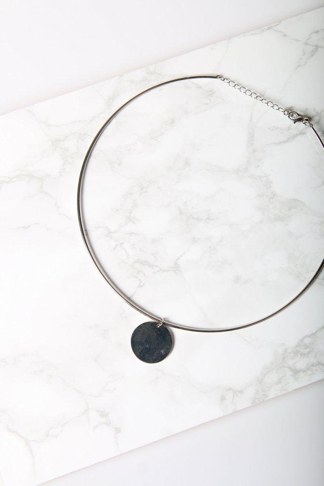 Saskia Geometric Round Necklace