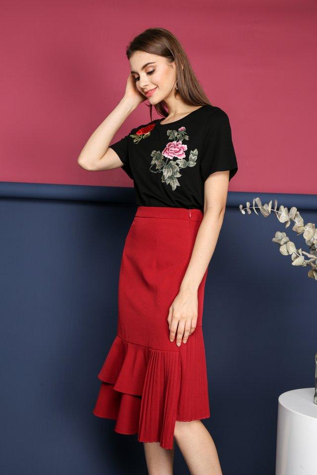 Alisha Side Pleats Midi Skirt in Red