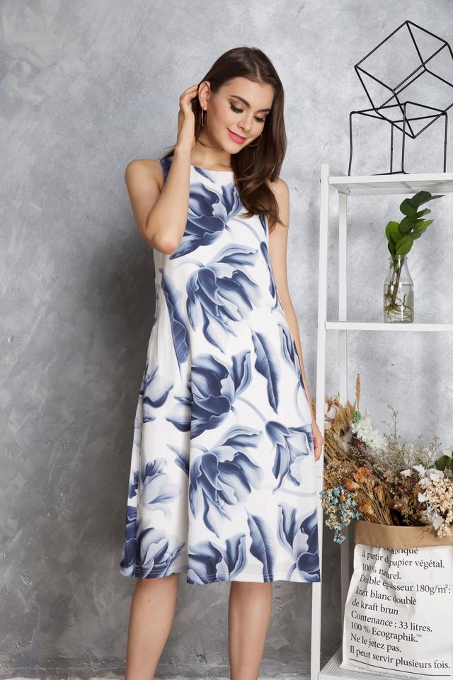 Maisie Floral Midi Dress in Blue