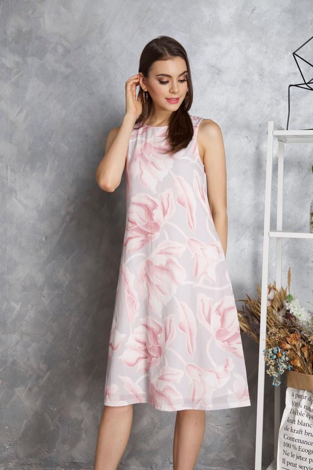Maisie Floral Midi Dress in Pink
