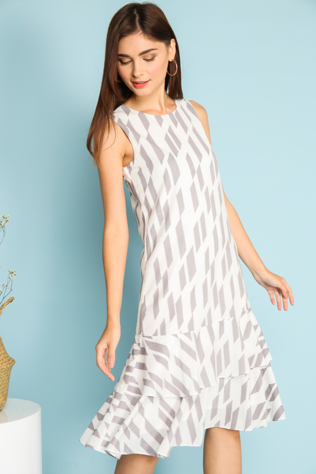 Elisa Geometric Dropwaist Midi Dress in White (XS)