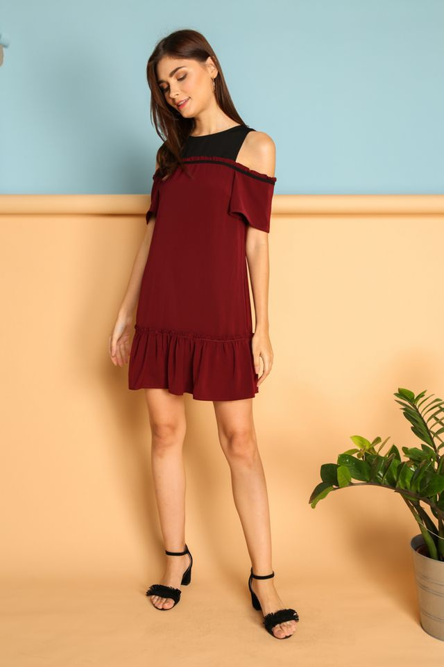 Ines Contrast Cold Shoulder Dress in Maroon (XS)