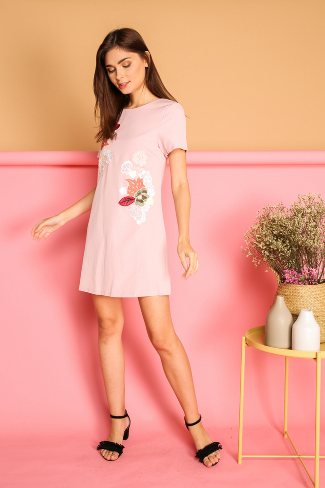Beatricia Floral Patch Shift Dress in Pink