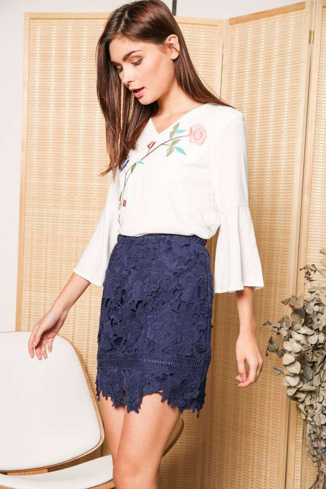 Alanza Rose Embroidery Bell Sleeve Top in White