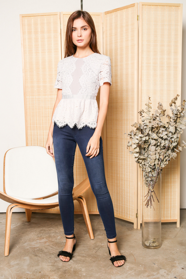 Quentin Scallop Lace Peplum Top in Grey (XS)