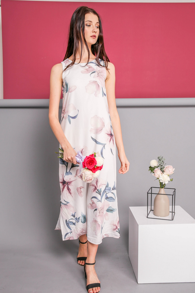 Eunice Printed Slit Maxi Dress in White (L)