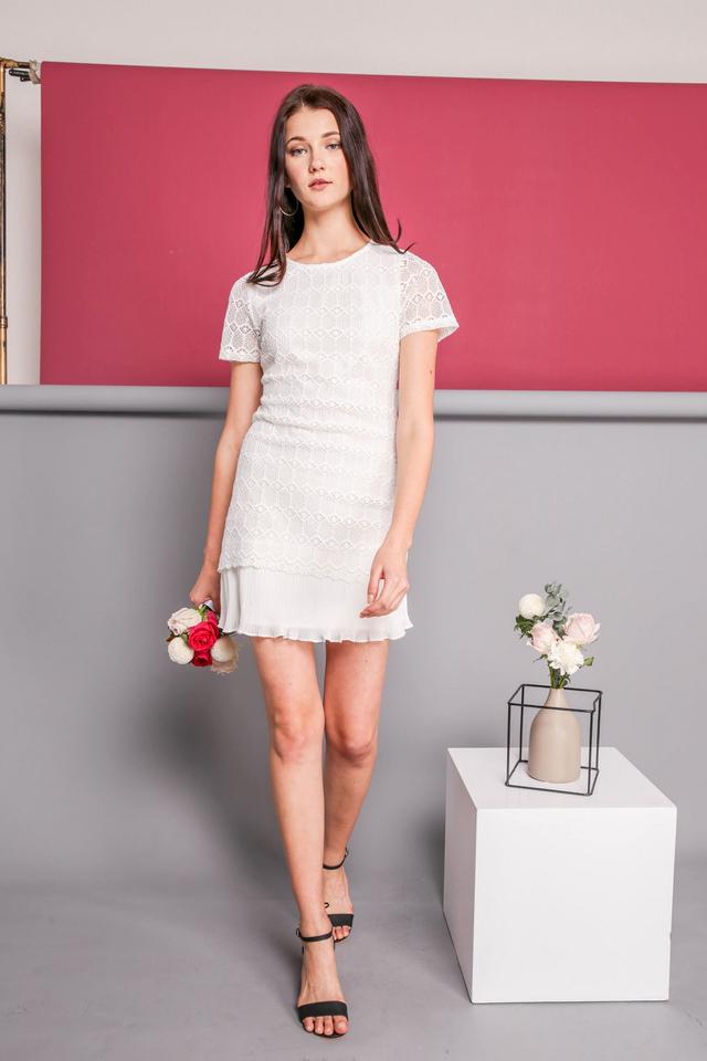 Jaslin Crochet Pleated Dress in White (XL)