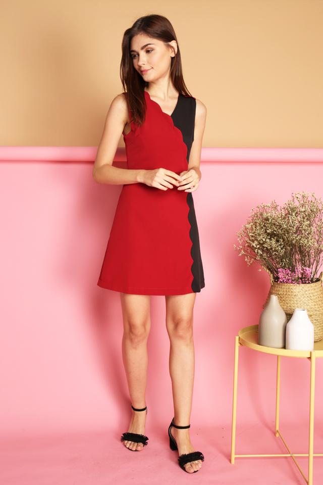 Marcie Colourblock Scallop Dress in Red