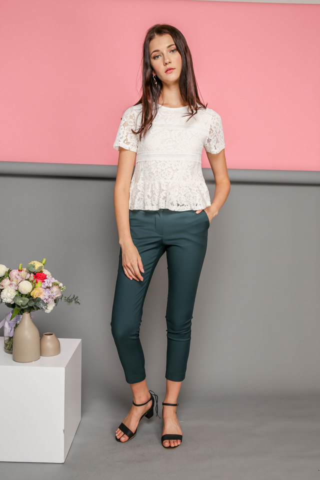 Calla Lace Textured Top in White (L)