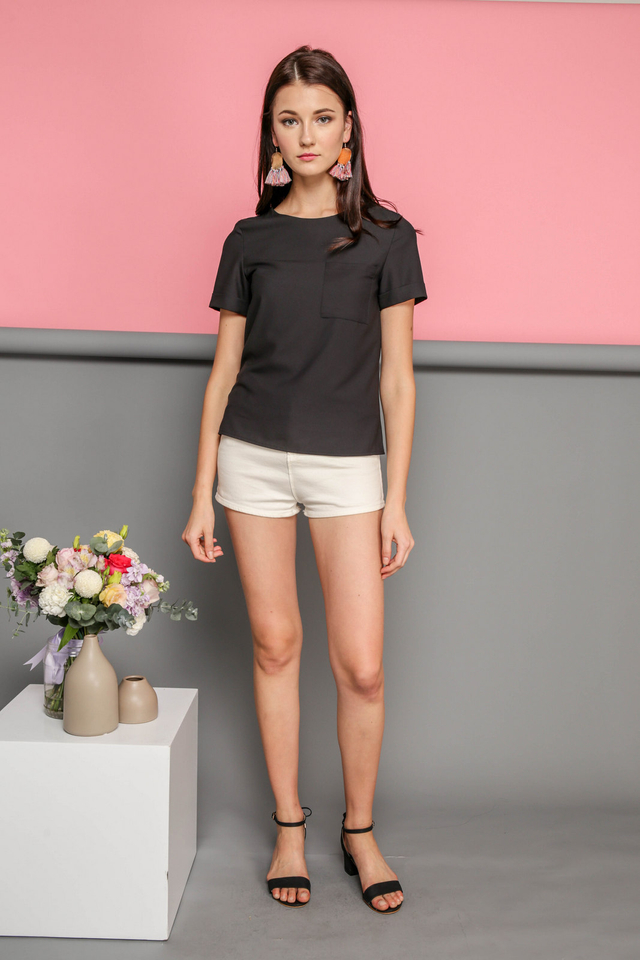 Danica Basic Front Pocket Top in Black