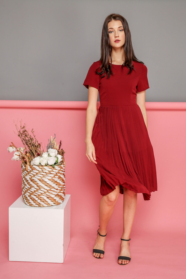 Kate Pleated Midi Dress in Wine Red