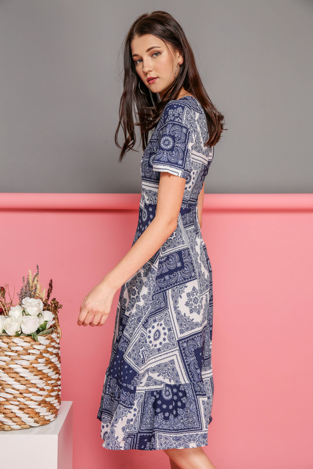Eliana Printed Midi Dress in Blue Paisley (XS)