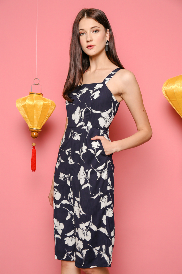 Tracy Printed Culottes Jumpsuit in Navy Blue (L)