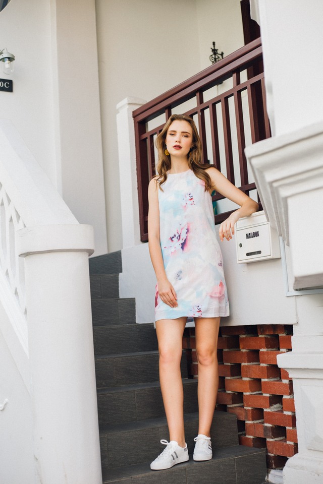 Eleanora Watercolour Shift Dress in Floral (L)