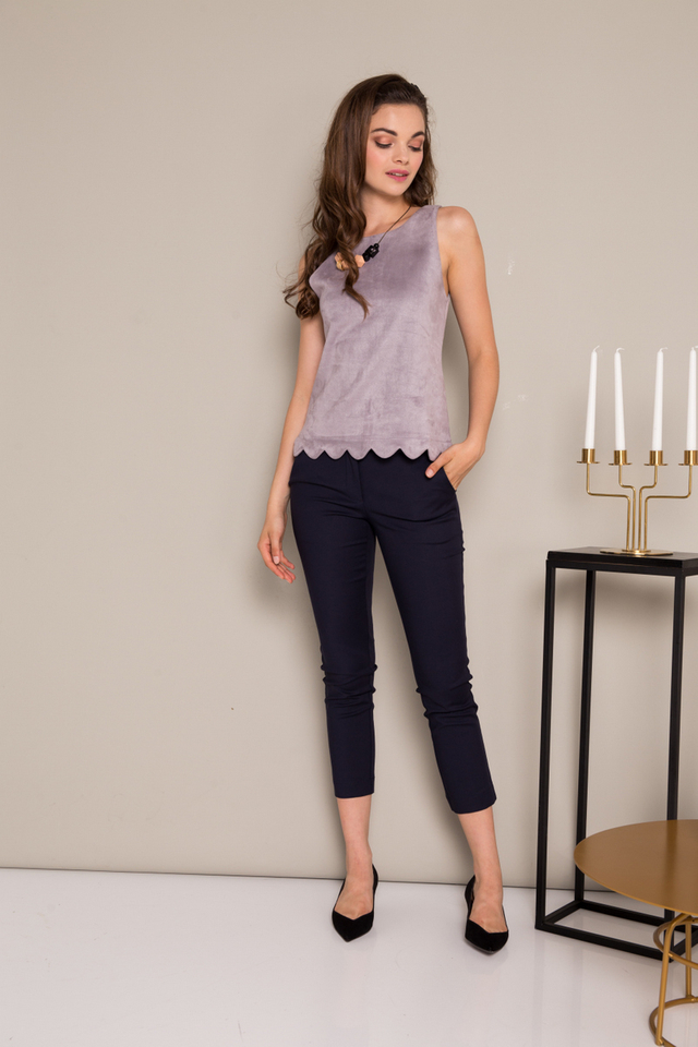 Leire Suede Scallop Hem Top in Lilac Grey