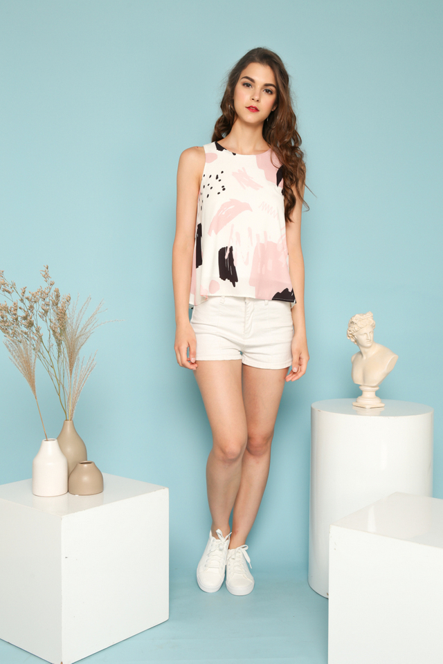 Rylee Abstract Flare Top in White (XL)