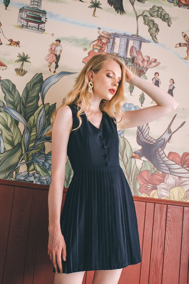 Lurleen Button Down Pleated Dress in Navy (XS)