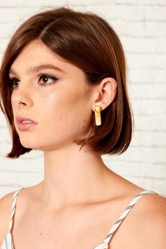 Chiara Marble Earrings in Cream