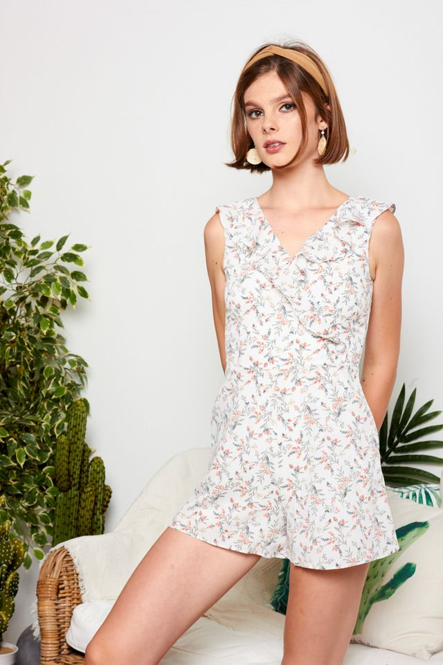 Tierney Floral Ruffles Romper in White (XL)