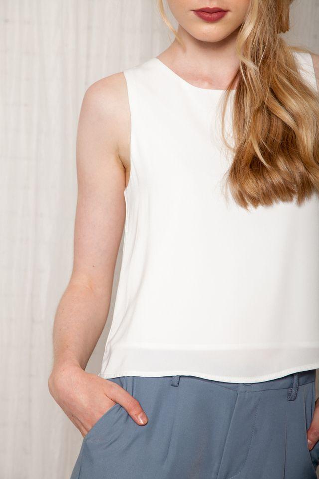 Dorinda Basic Flared Top in White (XL)