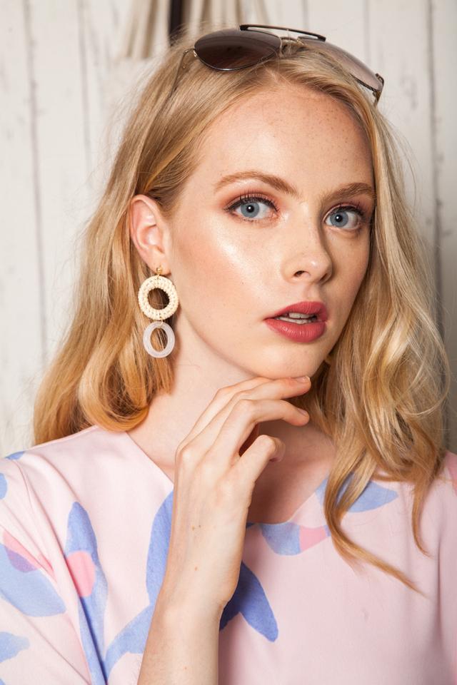Vasilia Round Straw Earrings in White