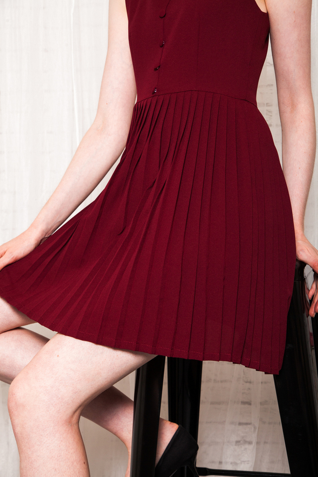 Lurleen Button Down Pleated Dress in Wine Red