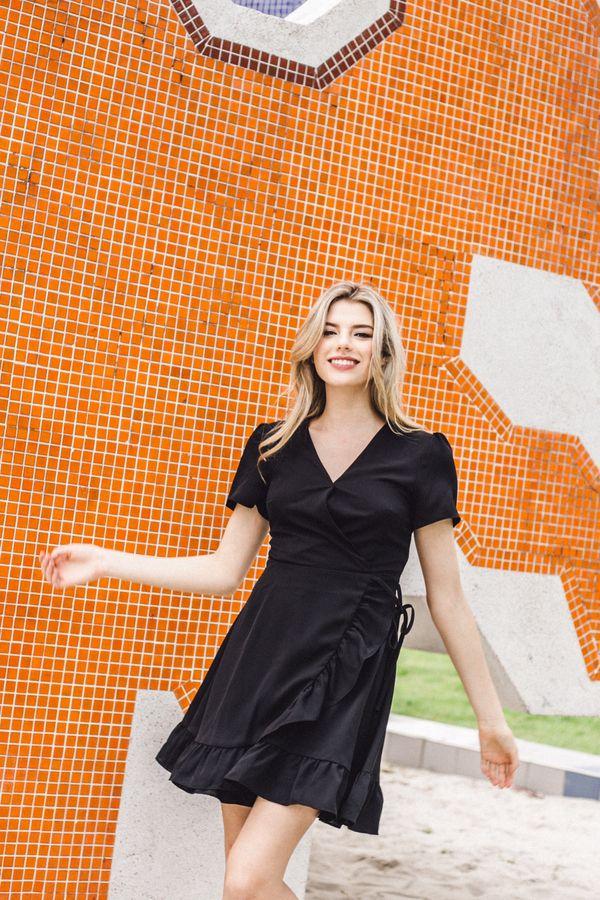 Alizabeth Faux Wrap Ruffles Dress in Black (XS)