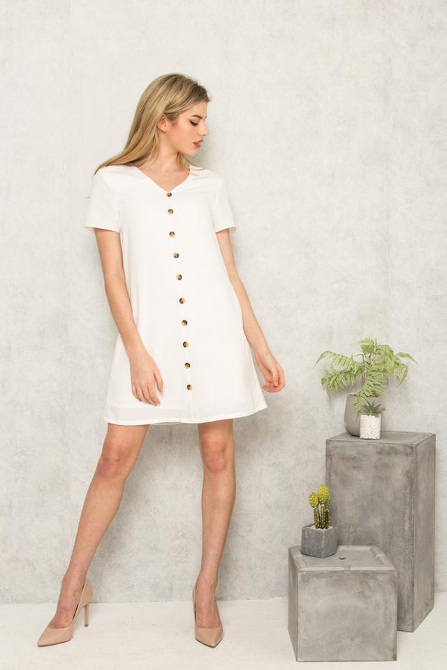 Beline Button Down Shift Dress in White (XS)