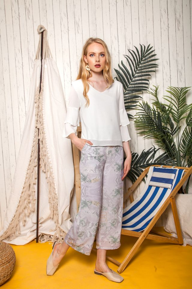 Moyna Floral Straight-cut Pants in Grey