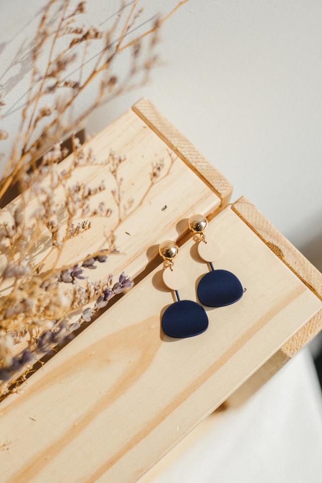 Wren Colourblock Earrings in Navy