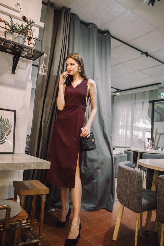 Jadyn Slit Maxi Dress in Wine Red (XL)