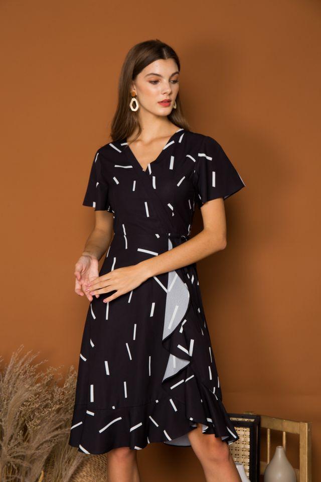 Kirstie Sprinkles Ruffled Midi Dress in Black (XS)