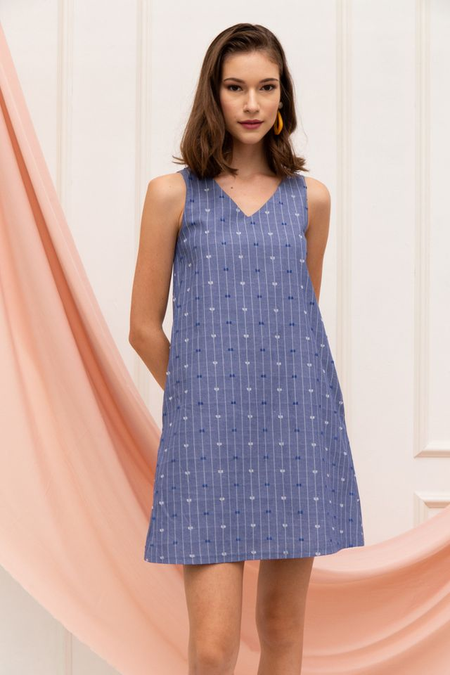 Lindsy Textured Trapeze Dress in Blue