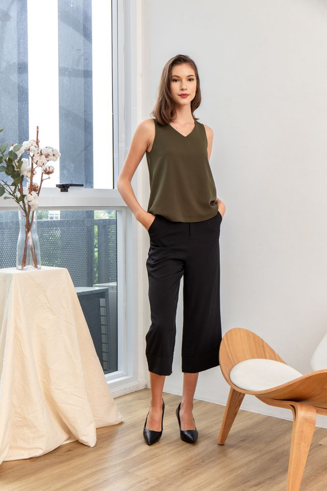Briel Basic Flare Top in Olive