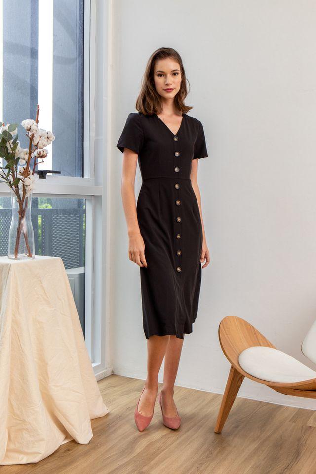 Feodora Button Down Midi Dress in Black (XS)