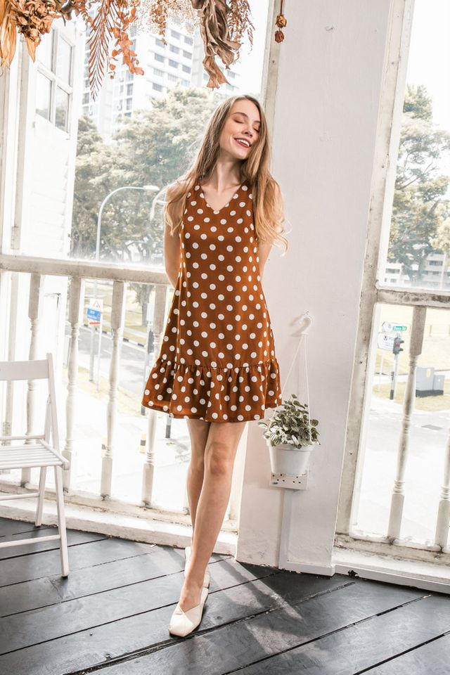 Cosetta Polka Dot Dropwaist Dress in Brown (XS)