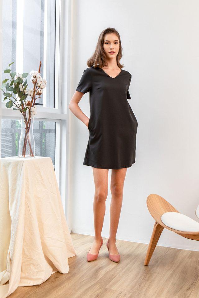 Kene Basic Shift Dress in Black (XS)