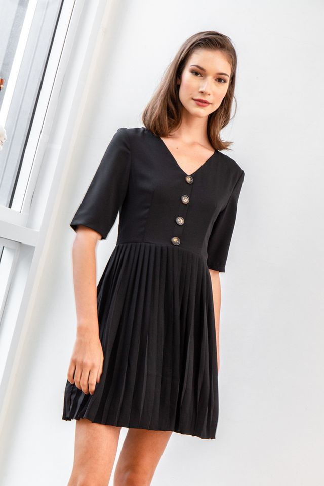 Madie Button Pleated Dress in Black (XS)