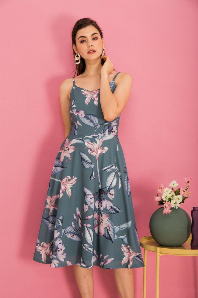 Cerulia Floral Flare Midi Dress in Teal Green (XS)