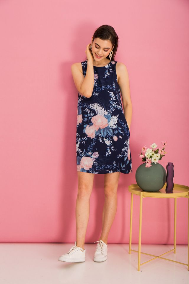Bethanne Floral Trapeze Dress in Navy (XL)