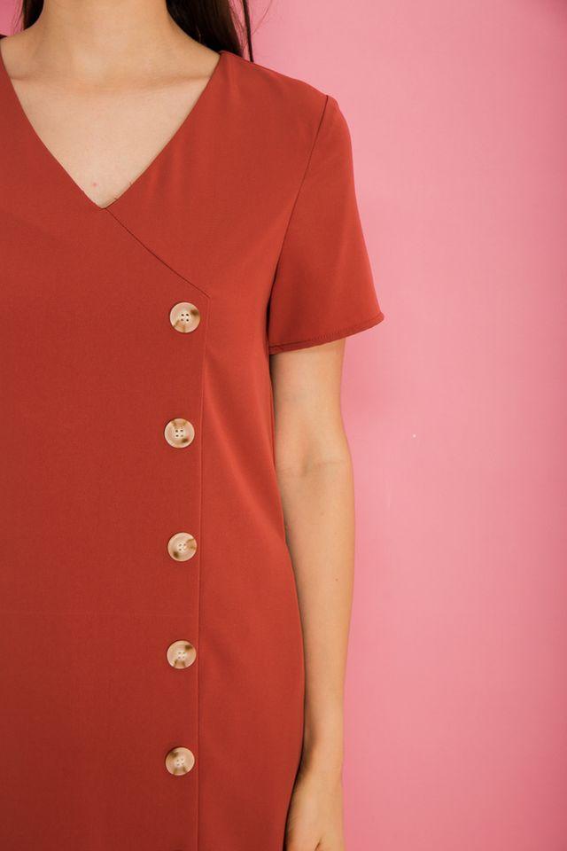 Castiel Button Down Shift Dress in Melon Orange (XS)