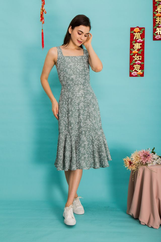 Lucie Floral Pinafore Dress in Sage (XS)