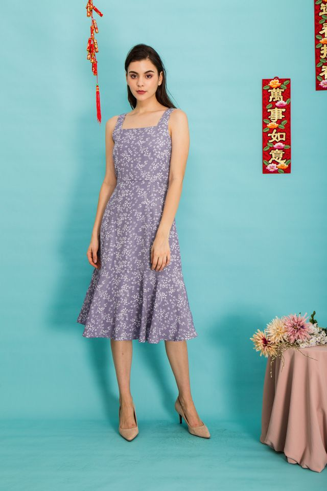 Lucie Floral Pinafore Dress in Lavender (XL)