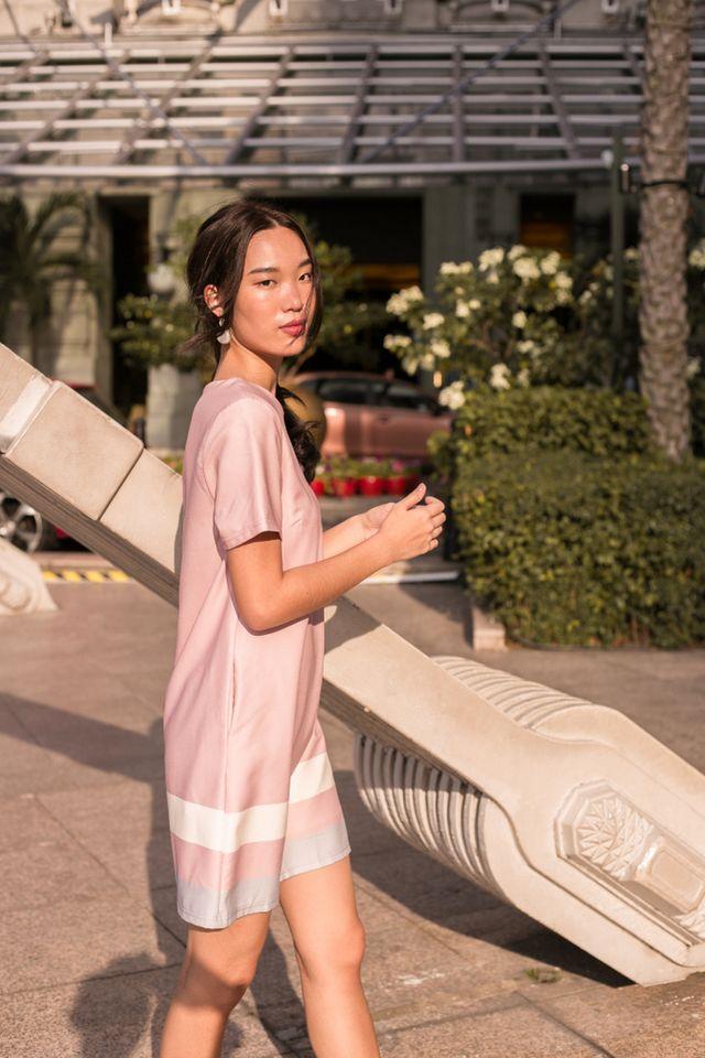 Arria Colourblock Shift Dress in Pink (XS)